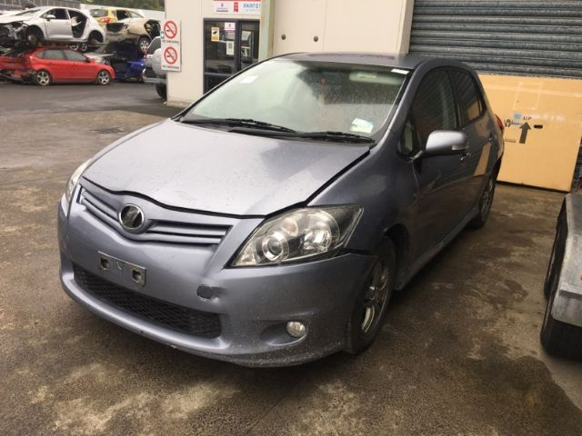 Toyota Auris ZRE152